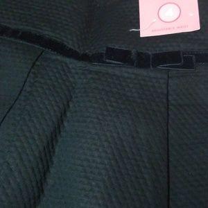 Gymboree Bottoms - Gymboree NWT girls black skirt, size 4.